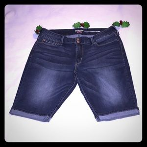 Levi's Denizen Modern Skinny Jeans.